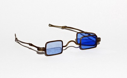 Double lens spectacles. E.M. Violette Museum  | Collection.